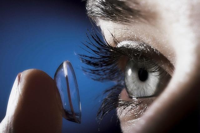 Резь в глазах – причины и лечение. Режет глаза – капли в глаза от сухости и рези