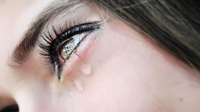 Почему краснеют глаза: причины и методы лечения