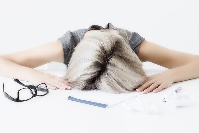 Искры в глазах: причины и симптомы