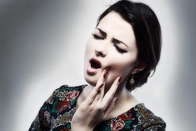 Почему ноют зубы при простуде