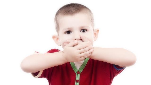 Изо рта пахнет калом: причины. Запах кала изо рта у ребенка