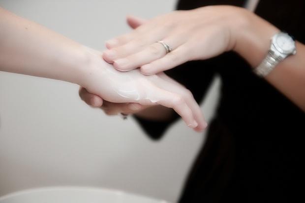 Мазь Арника - инструкция по применению в косметологии для лица, отзывы о креме и геле